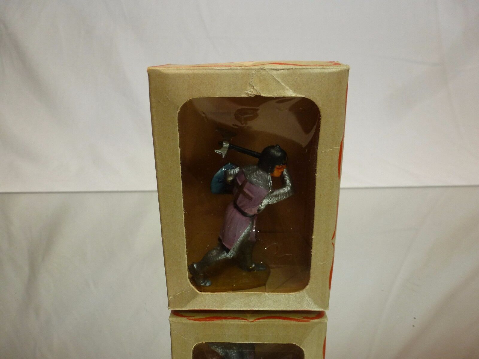 STARLUX 6009 ACTION FIGURE KNIGHT + AXE - grigio+violaC H6.5cm VINTAGE- GOOD IN BOX