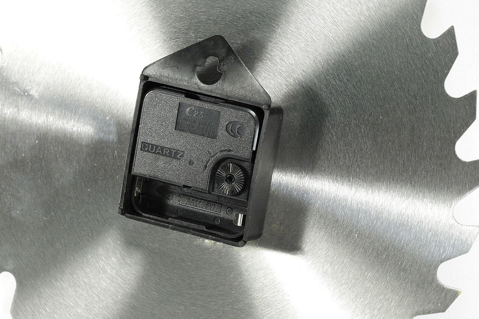 """WOW Wanduhr aus Metall Quarzuhr Geschenk Wand Uhr """" Kreissägeblatt """" ø 24 cm"""