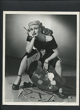 GINGER ROGERS AS A FRUSTRATED PAINTER - 1947 PHOTO BY COBURN - IT HAD TO BE YOU