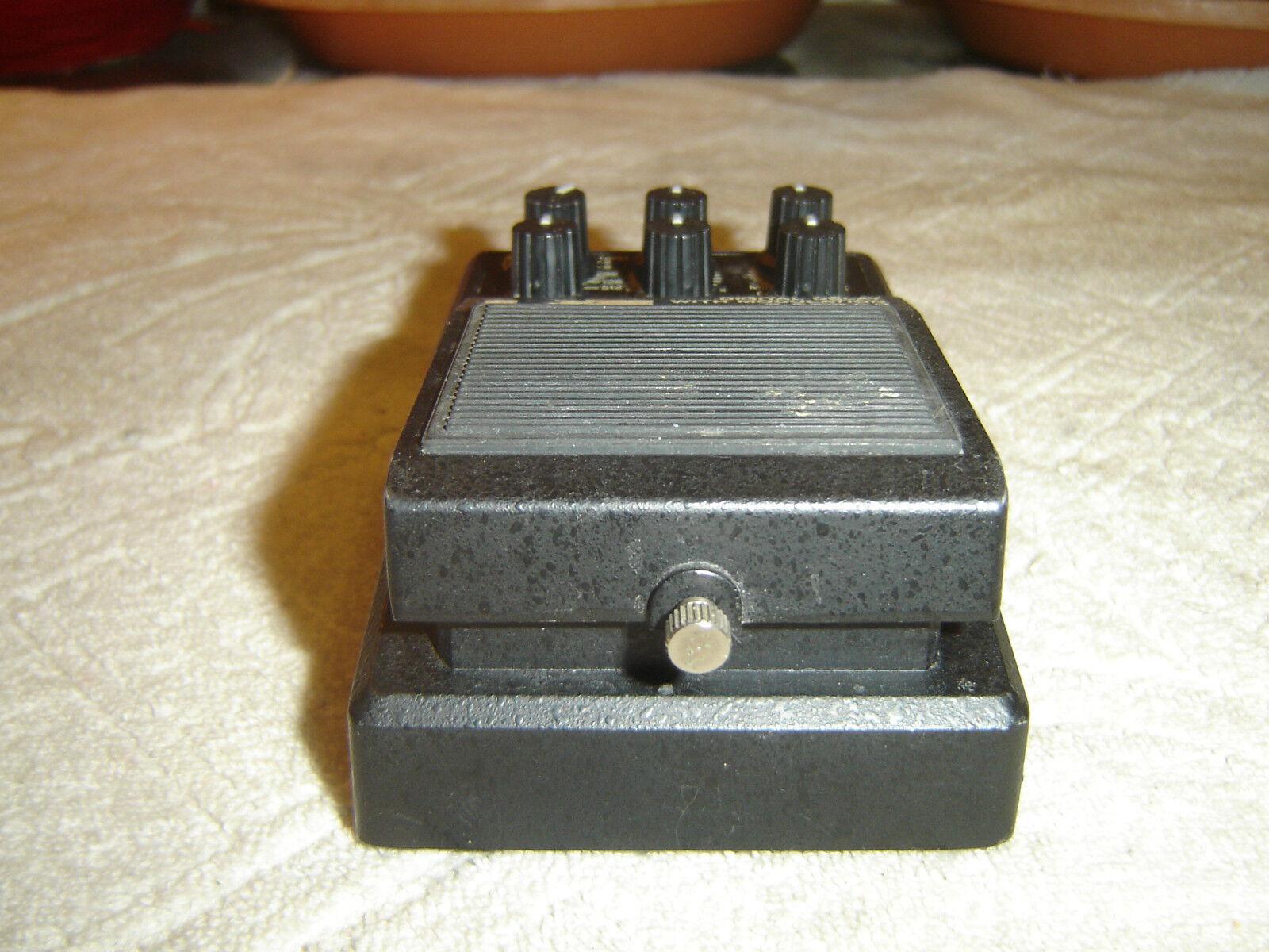 Vesta Fire MDX, Digital Delay with Modulation, Vintage Guitar Pedal
