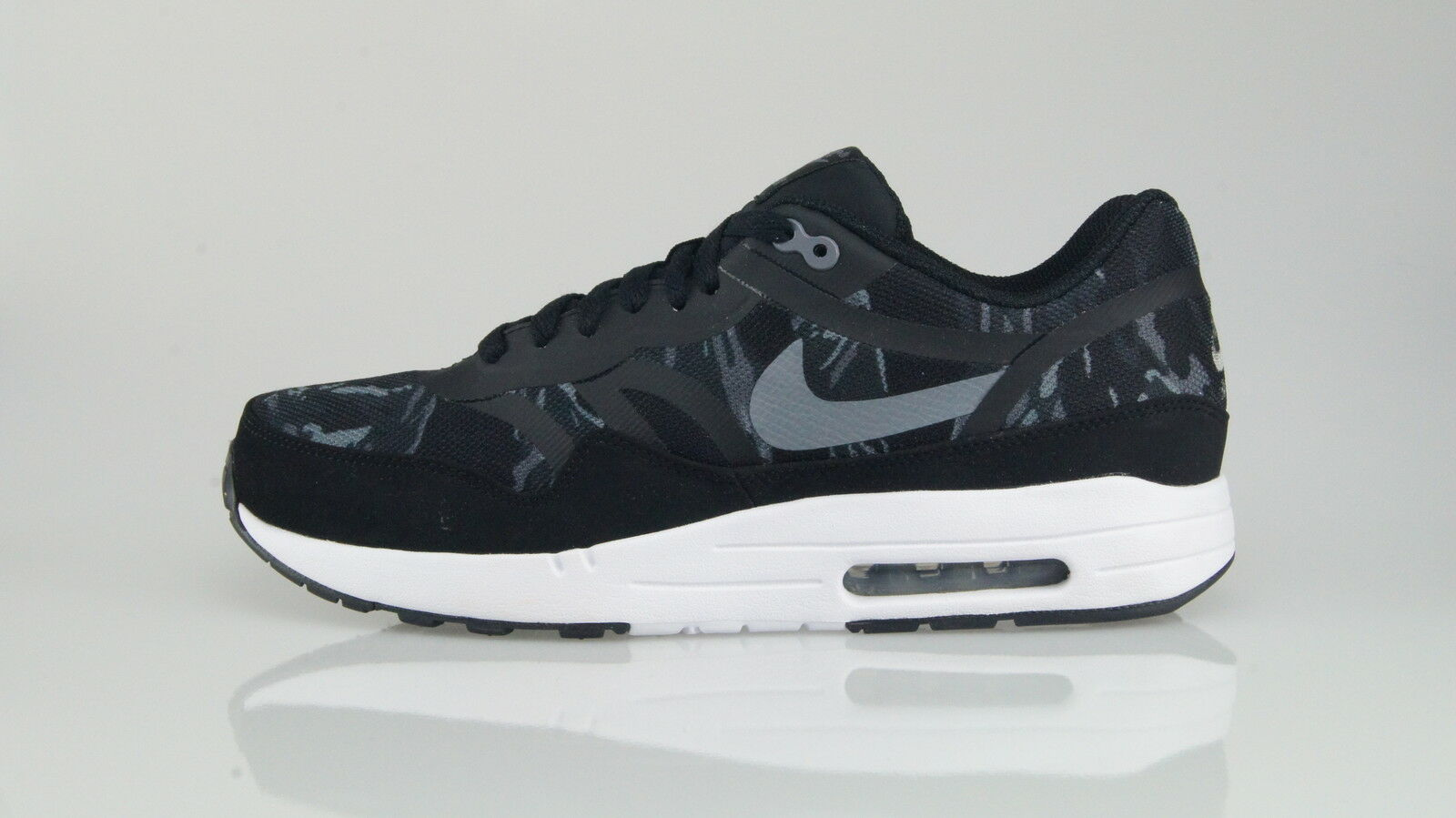NIKE AIR MAX 1 PRM TAPE Size 42,5 (9US)