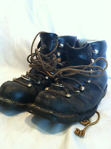 Men's Vintage Olympic TEUA Black Leather Ski Boots US Size 9