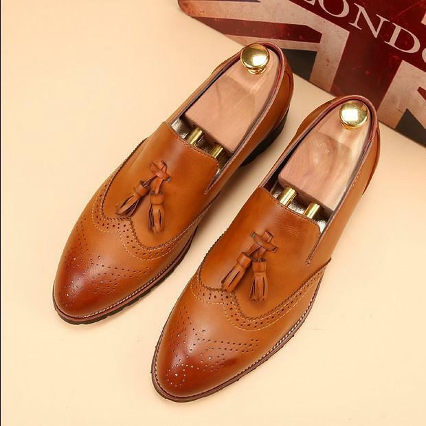 Handmade Uomo Wingtip brogue Tassels Shoes Uomo Tan color formal Scarpe  loafer