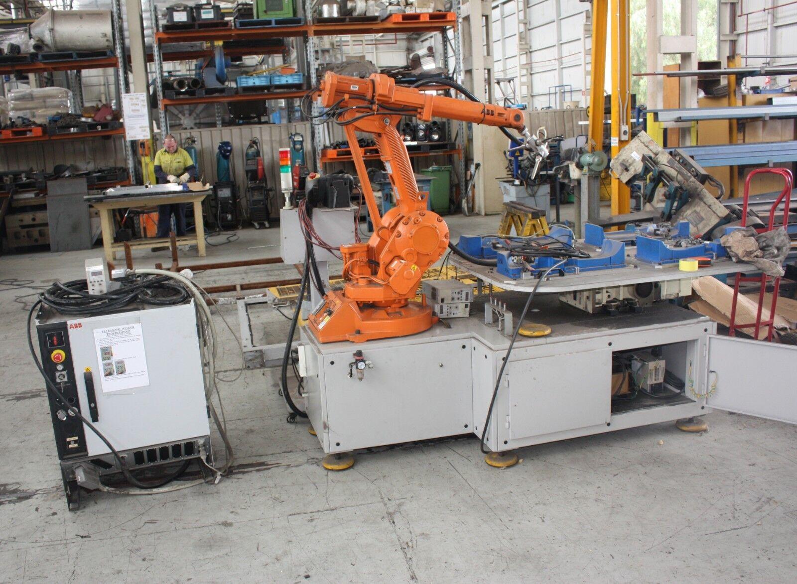 ABB Robot arm IRB1400 M2004 controller IRC5 58A 262V Flex Pendant  on