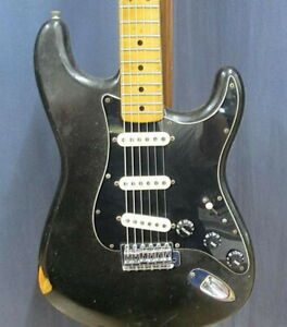 FENDER-USA-Stratocaster-Used-Black-1976-Maple-Fretboard-W-Hard-Case