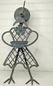 Metal/Wrought Iron Garden Bird Feeder - Mother Bird w/ Bowl
