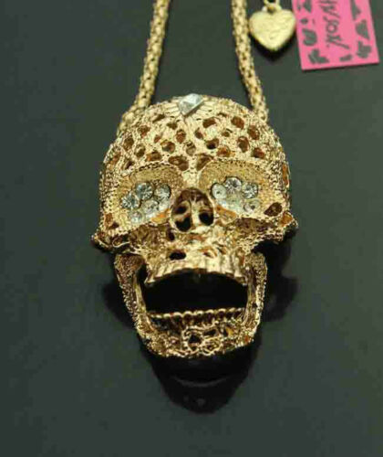 D665G     Betsey Johnson Gold Tone w//Crystal Movable Jaw Skull Pendant Necklace