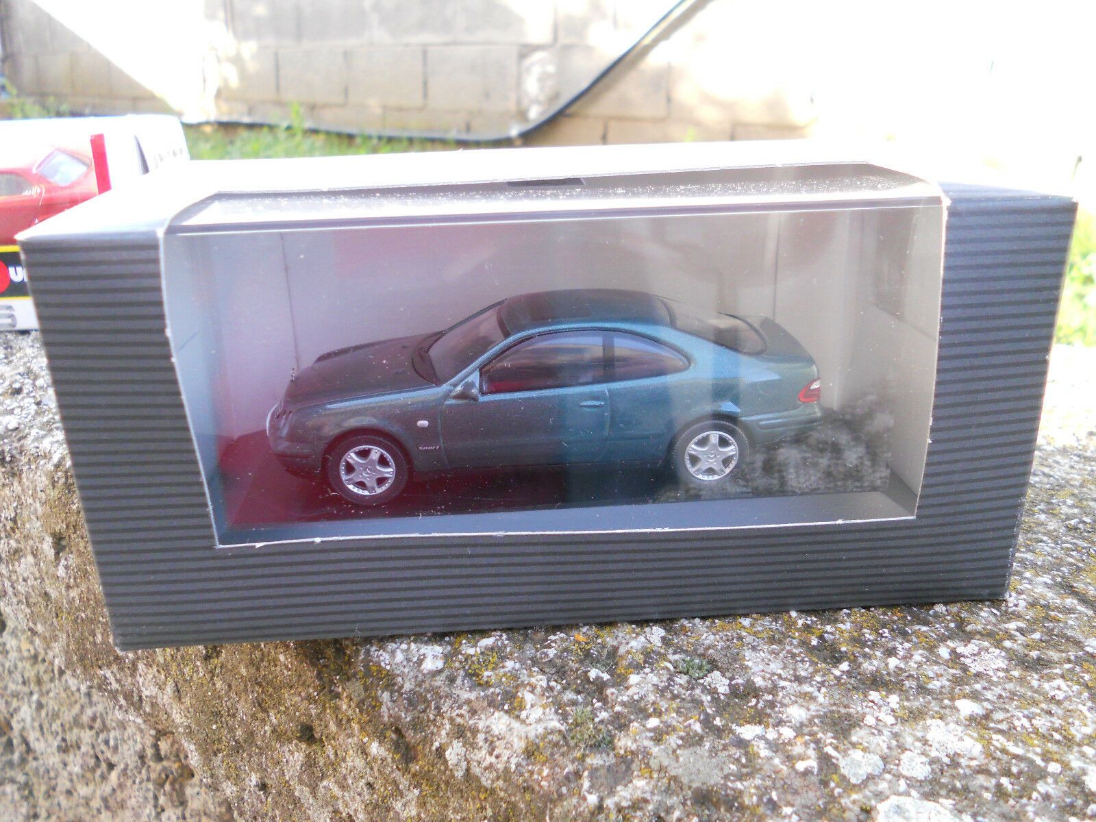 DIE CAST MERCEDES-BENZ CLK SCALE 1\43