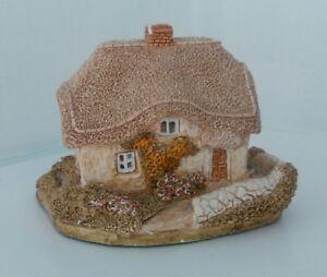 Lilliput-Lane-Clover-Cottage