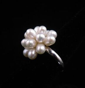 Fresh Water White Pearls Flower Lady's Jewelry Ring ALL Sizes Fit #03261401