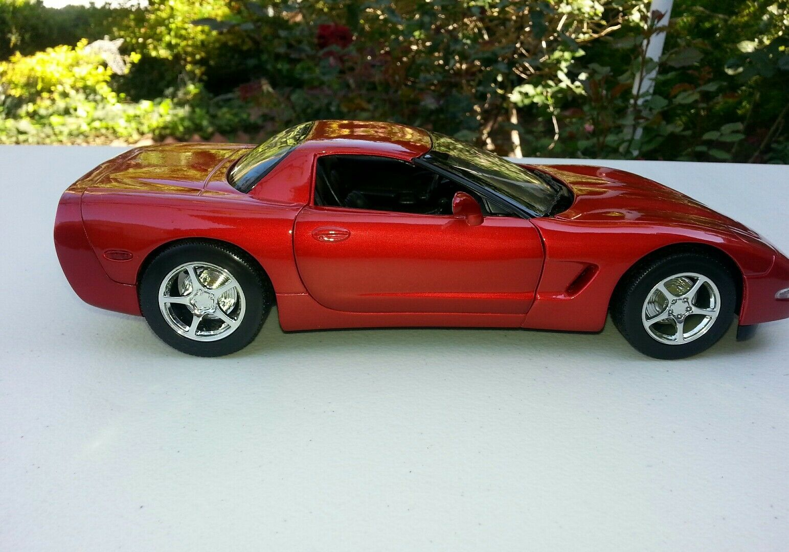 1 18 Diecast Model by Hot Wheels c Chevrolet Corvette