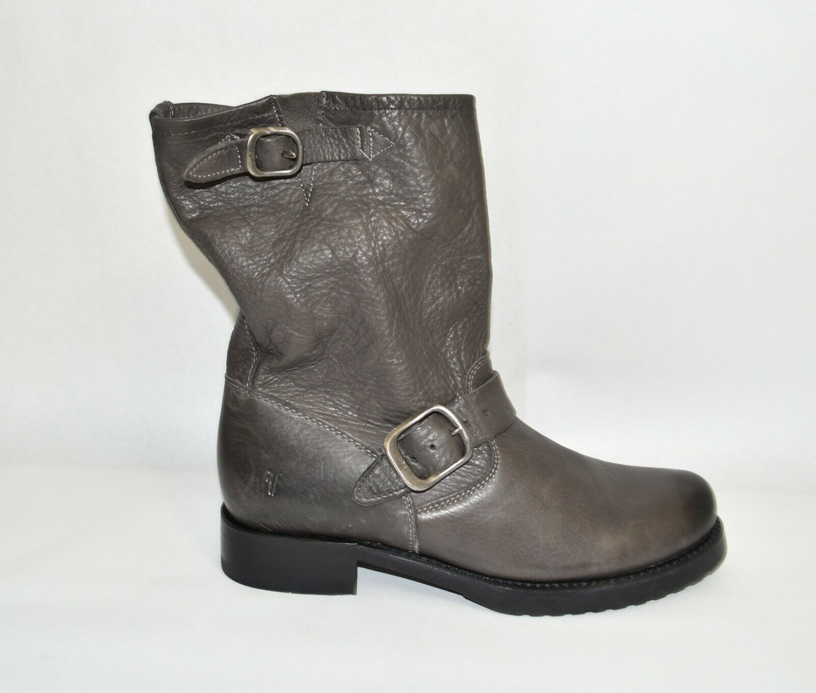 New! Frye Veronica Short Slouchy Boot Smoke Gray Leather Size 7 76509 T46