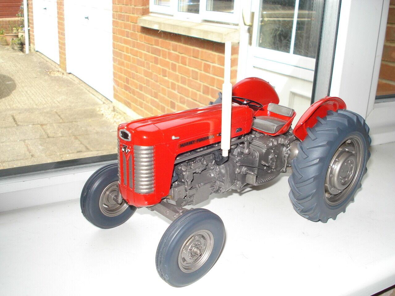 1 16 G & M Farm Modèles Massey Ferguson 65 Mark I (Ltd Ed)