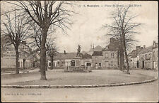 MONTOIRE sur le LOIR (41) - Place St Denis - Les Hôtels