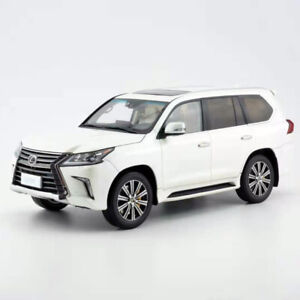 New-Arrival-Kyosho-1-18-Scale-Lexus-LX570-White-Car-Model-Collection-New-in-Box