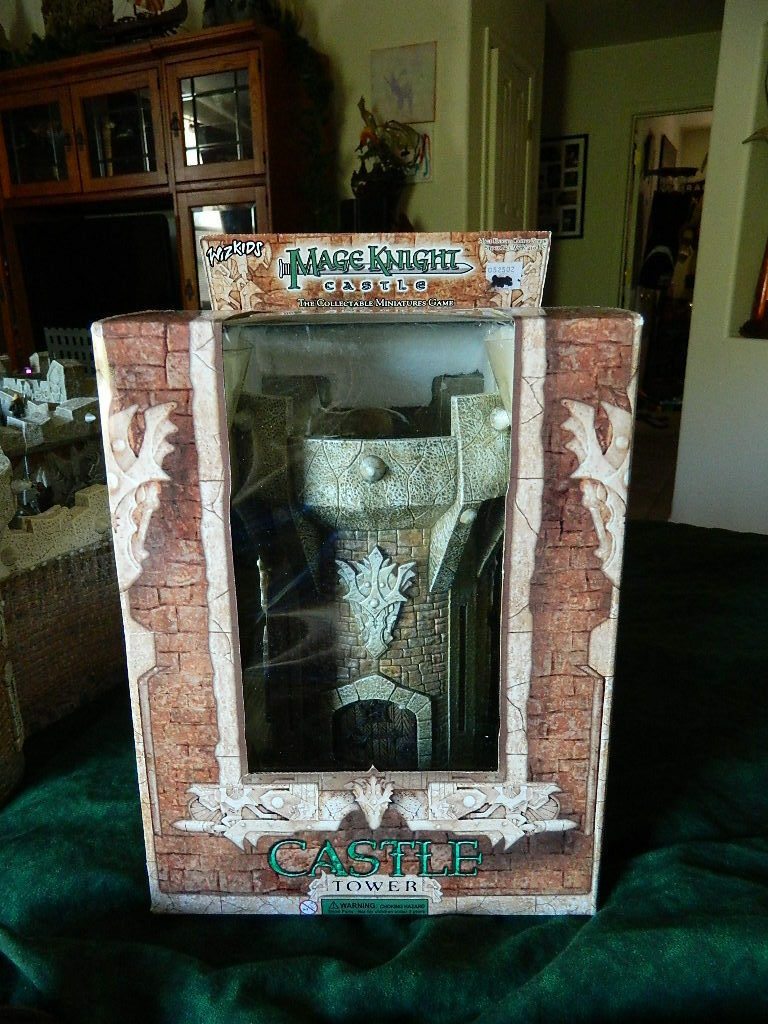 Two Mage Knight Castle, Towers. NEW in box D&D minis RPG terrain pathfinder