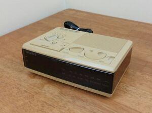 Sony-Dream-Machine-Alarm-AMFM-Vtg-Clock-Radio-ICF-C3W-Almond-Brown-Working