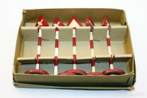 MODELISMO-FERROVIARIO-SENALES-5-PIEZAS-VINTAGE-ANOS-60-12cm-APROX-TRENES