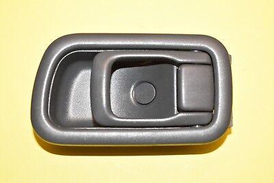 Passenger Door Handle Bezel Nissan Pathfinder 96 97 98