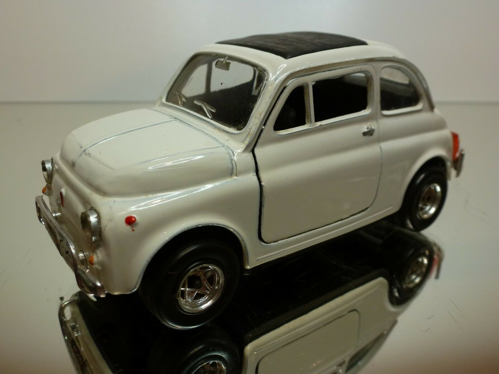 POLISTIL S599 FIAT 500L - WHITE 1:25 - GOOD CONDITION