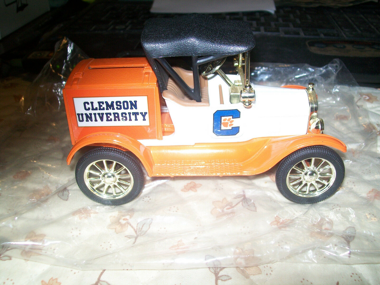 Ertl  9523  University of Clemson  Tigers 1918 Ford Runabout  2  NOS (MIB).