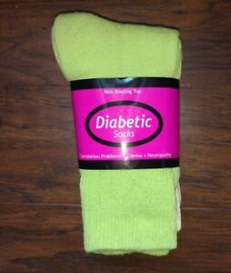 NEW Womens color diabetic socks pink, pink, green 3 pairs 9-11 crew length