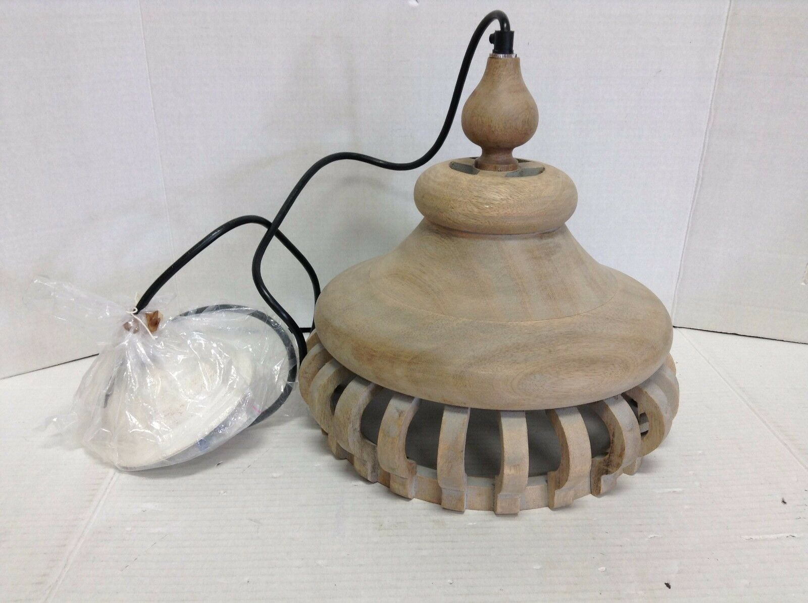 Frontgate Rustic Natural Ribbed Wood Pendant Chandelier Lamp Light