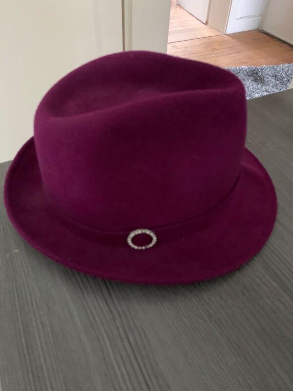 Damen Hut Farbe Brombeere