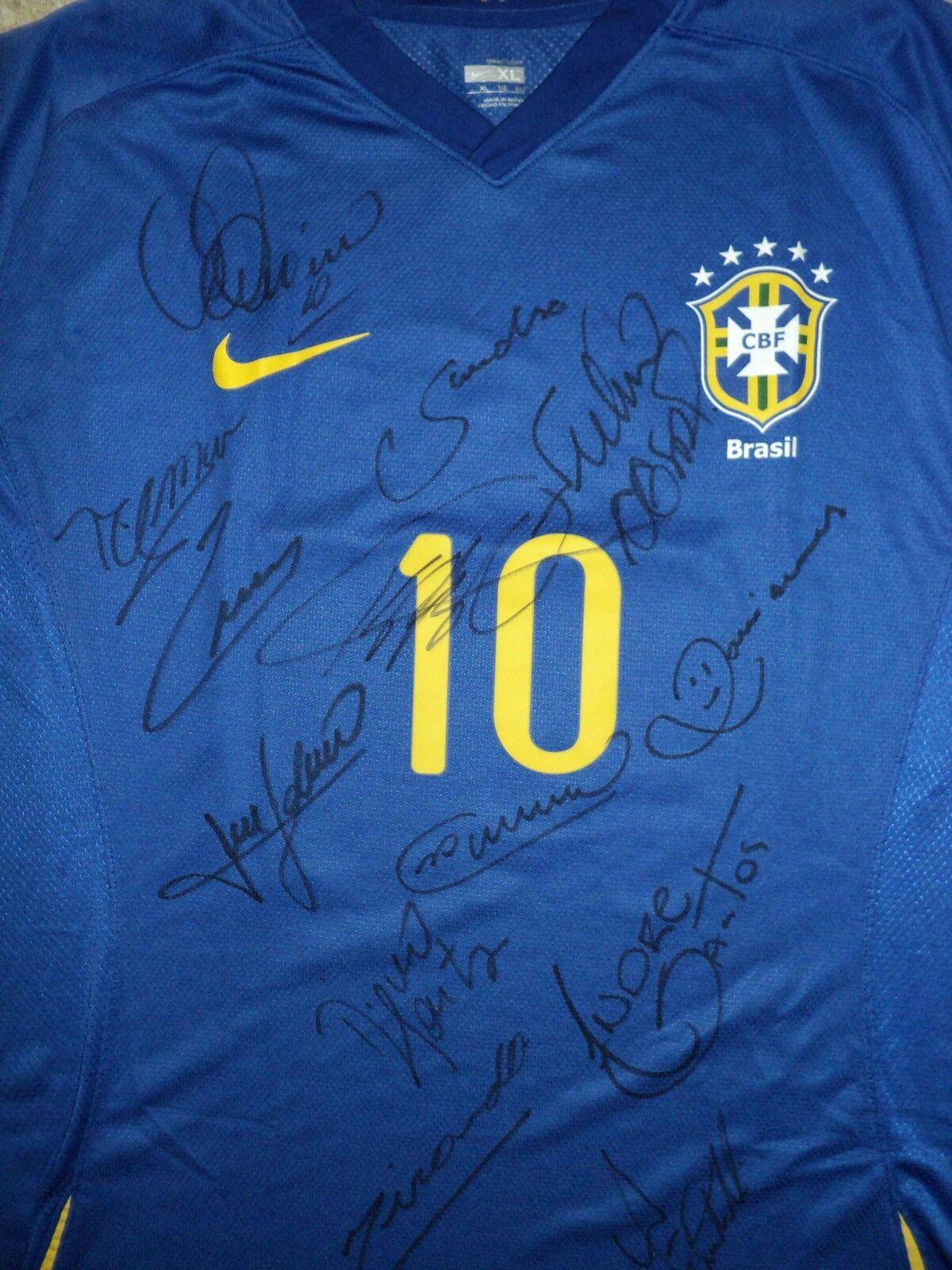 Kaka Brasil partido de las Naciones Unidas Worn Shirt y firmado por los jugadores