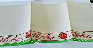 Vintage-textured-apples-red-pink-green-mid-century-openwork-shelf-paper-3-yds