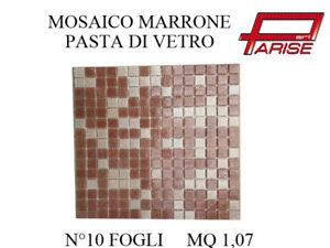 Mosaico-miscelato-rivestimento-decorativo-su-rete-in-pasta-di-vetro-marrone