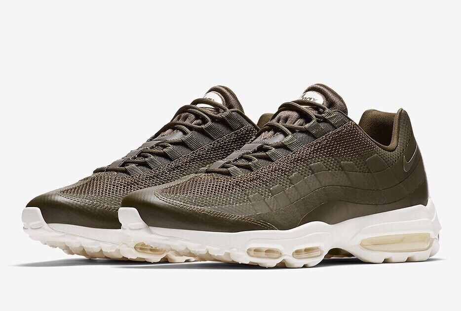 NIKE AIR MAX 95 ULTRA ESSENTIAL 857910-300 Cargo Khaki Sz8 EU 42.5 US 9 New