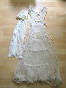 1920s tiered lace wedding dress