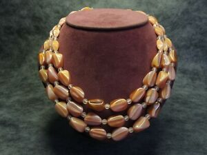 Fabulous-Vintage-Czech-Bohemian-3-Row-Satin-Pink-Caramel-Glass-Bead-Necklace