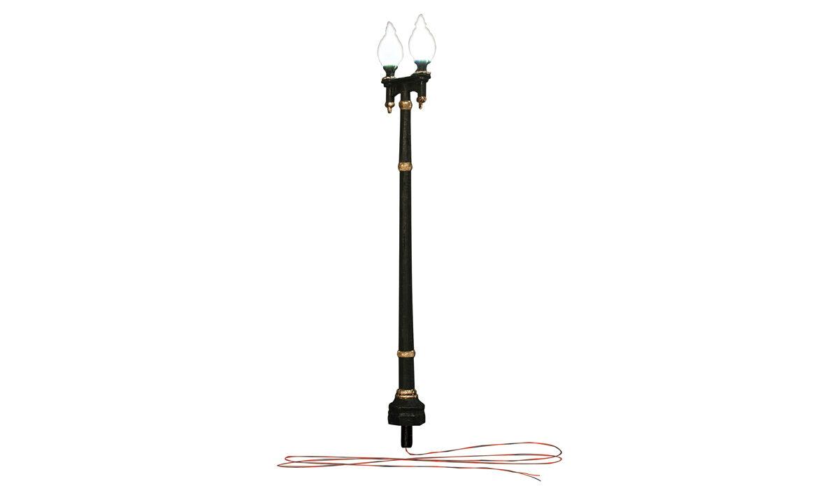 Double Lamp Post Street Lights - O gauge Woodland Scenics JP5648 - P3