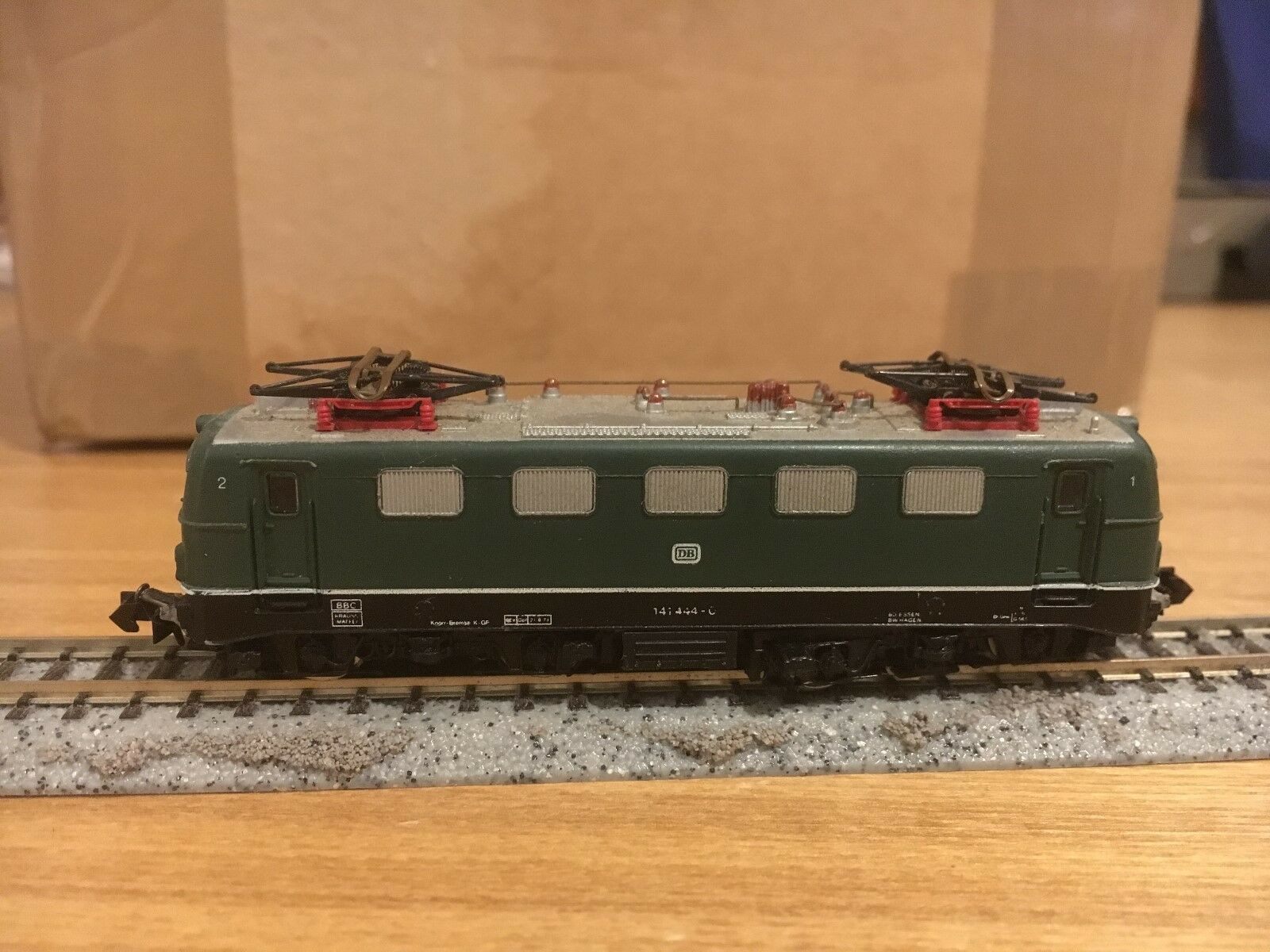 Arnold 2321 N Gauge Spur E-lok 141 444-0 Dark green DB Boxed VGC