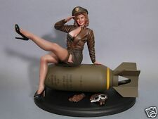WWII PINUP BOMBER BELLE 1/8 SCALE RESIN KIT (DAVID WHITFORD SCULP)