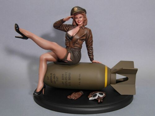 WWII PINUP BOMBER BELLE 1//8 SCALE RESIN KIT DAVID WHITFORD SCULP