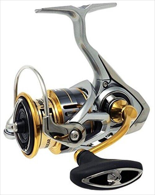 Daiwa 18 freams Light 3000 Spinning De Japón
