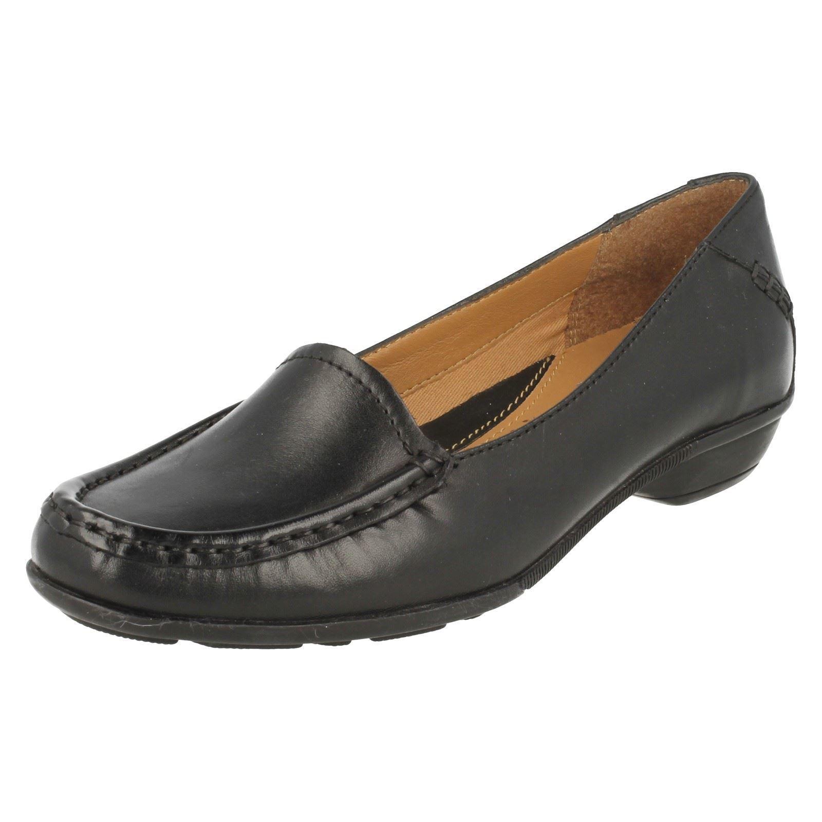 Clarks' doré Opal'femmes Standard d compatible avec chaussures cuir noir