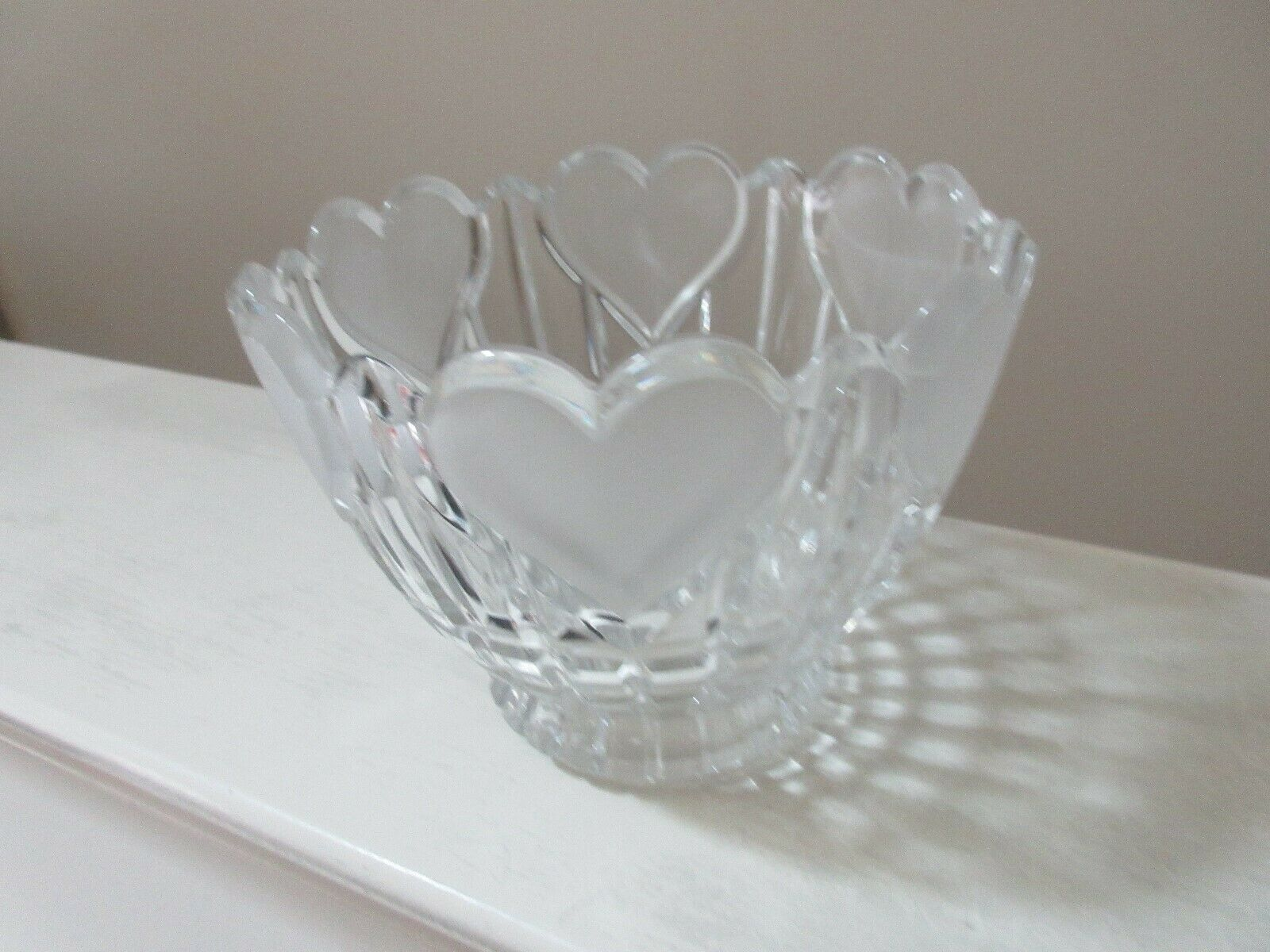 Bowl , Crystal, Hearts Going All Across Top Of Bowl , R