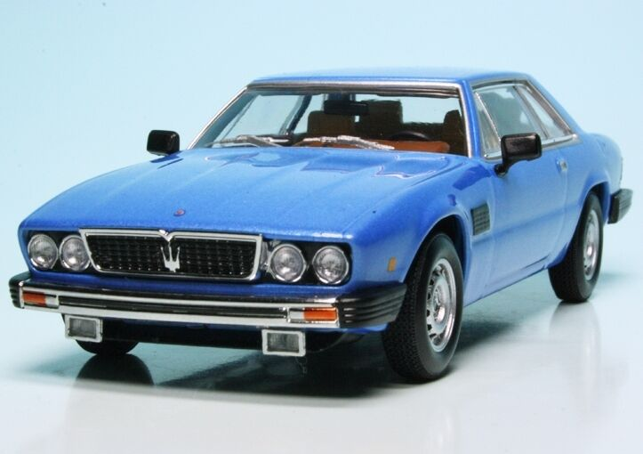 Minichamps  1 43  Maserati Kyalami (1982) LIGHT blueE METALLIC