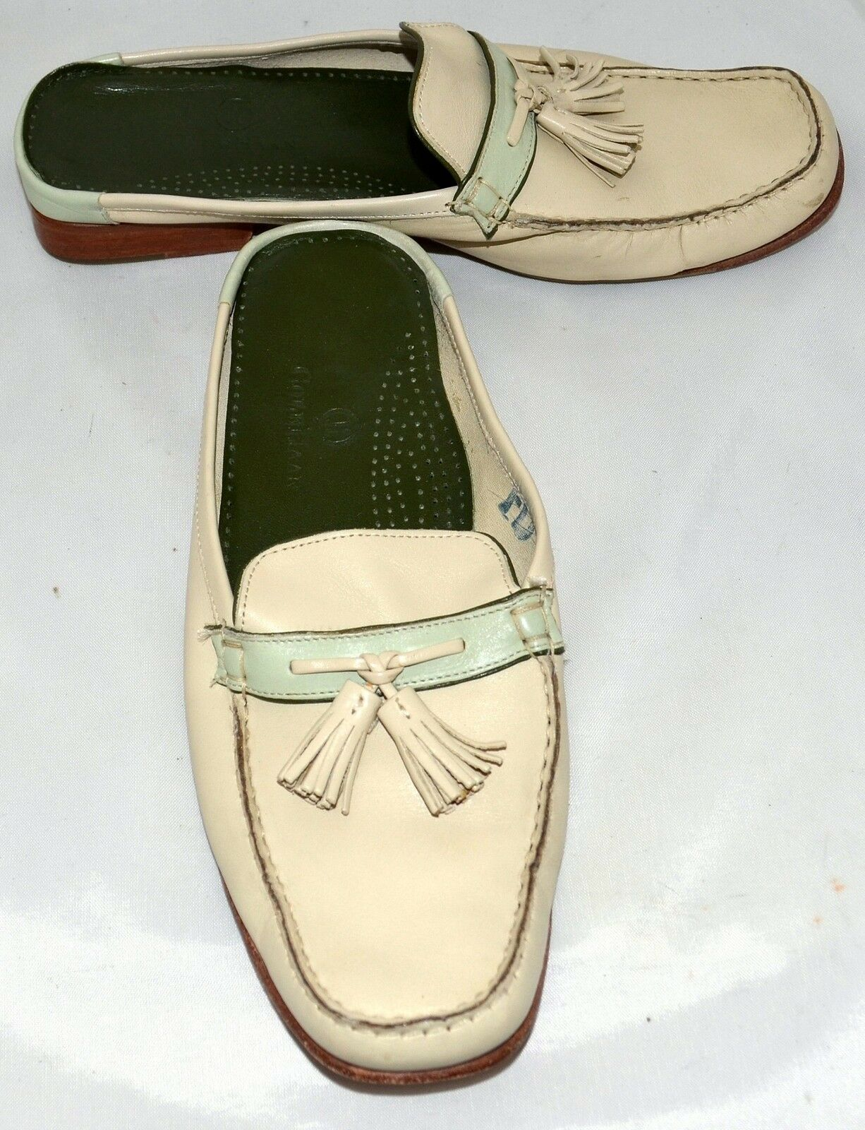 Cole Haan Cream Leather Comfort Slide Loafers with 2 Tassels Size 8.5 M
