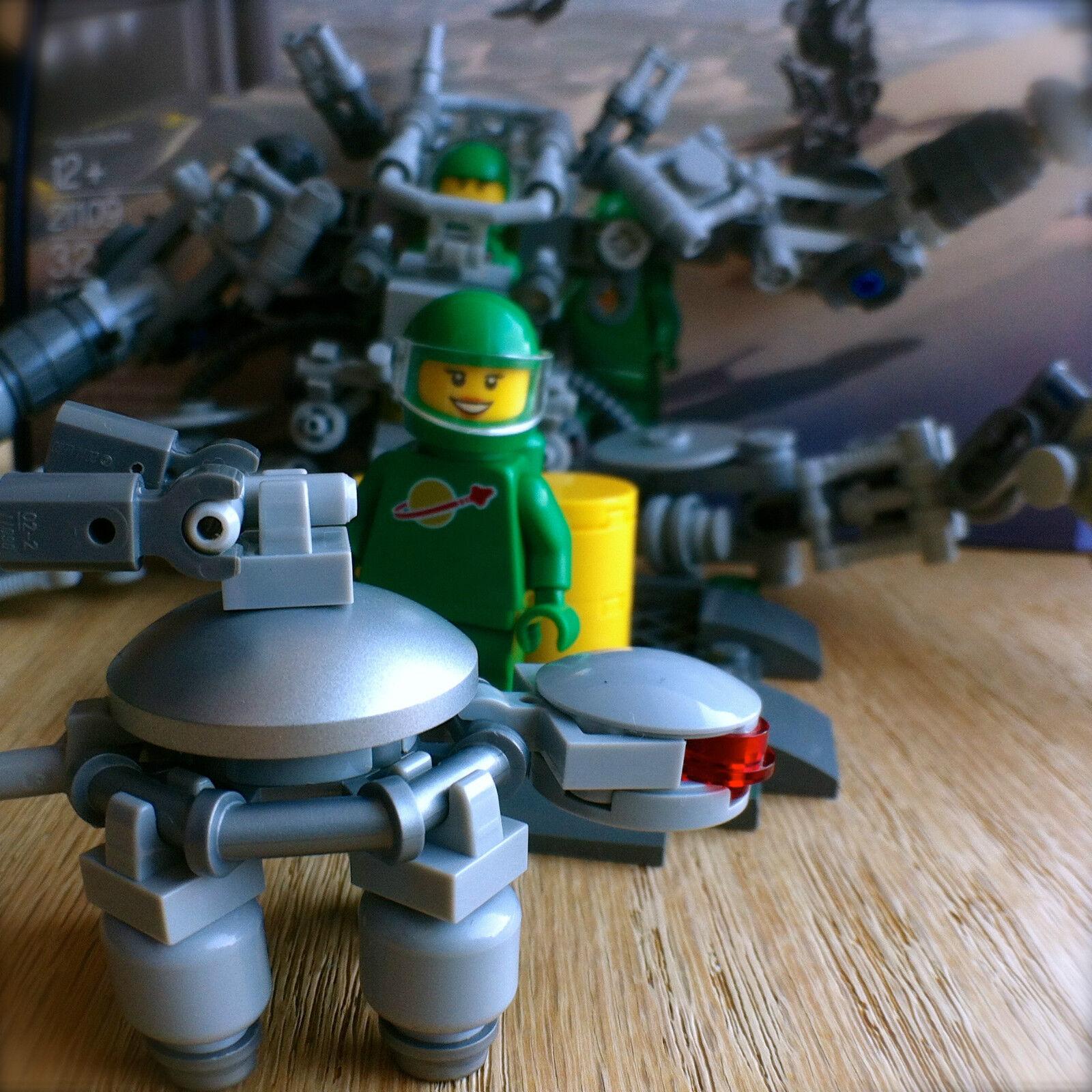 LEGO Ideas 21109 EXO SUIT 321PCS 321PCS 321PCS Pete Yve Robot Turtle Space Exosuit NEW SEALED 38521f