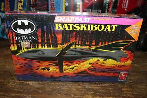 Ertl-Amt-Batskiboat-Batman-Returns-Plastic-Model-Kit-1-25-1992-NEW-UNOPENED