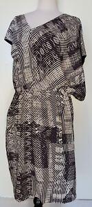 WAYNE-BY-WAYNE-COOPER-Black-White-Asymmetrical-Dress-Size-16