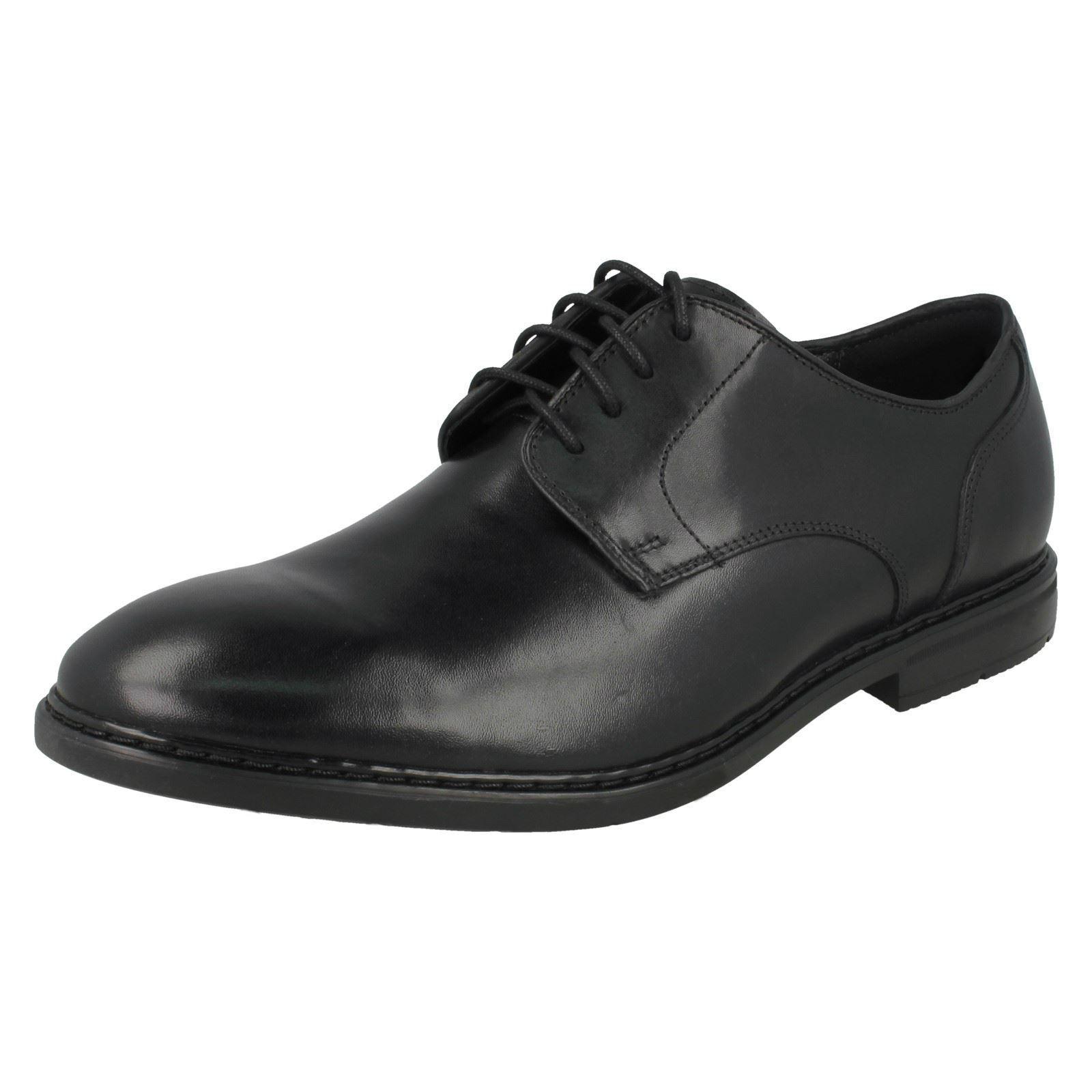 Clarks Herren Leder Schnürschuhe 'Banbury Spitze'