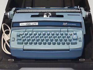 Vintage Smith Corona Coronet Super 12 Robin's Egg Blue Typewriter W/Hard Case