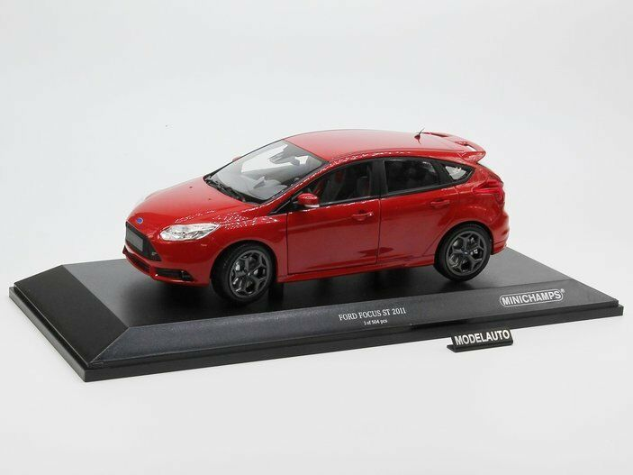 Minichamps 1:18 Ford Focus ST  2011  red . L.E. 504 pcs.
