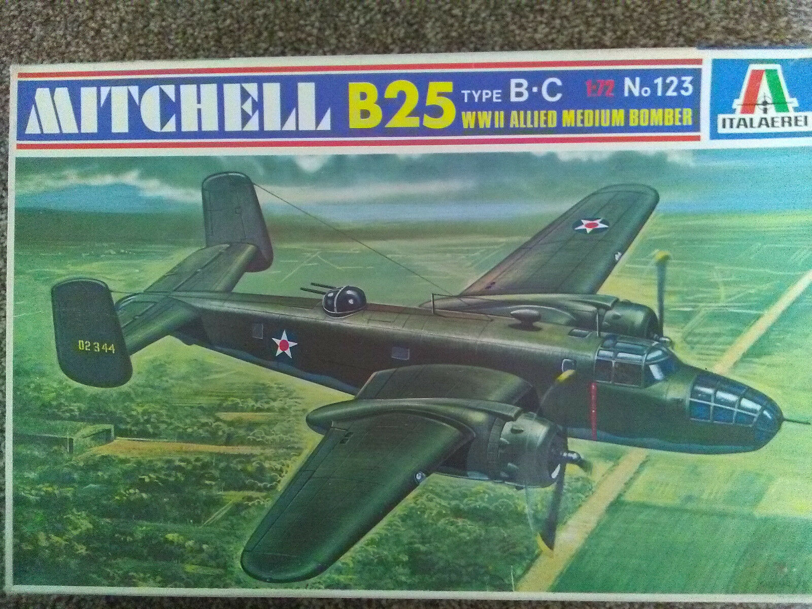 VINTAGE ITALAEREI 1 72 B25 MITCHELL TYPE B-C WITH DISPLAY STAND KIT NO. 123